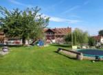 01 Bauernhaus mit Spielplatz
